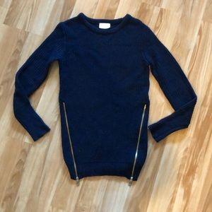 Zip side sweater